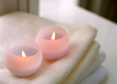 candle-1423706-638x457