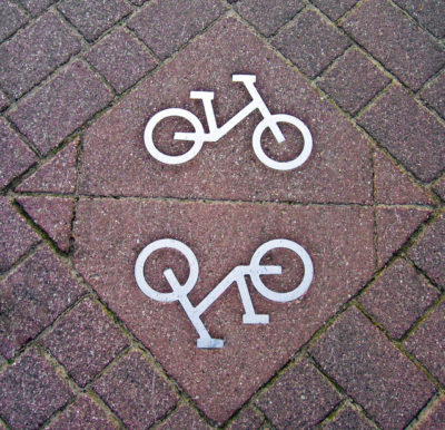 bike-route-sign-2-1444064-638x615