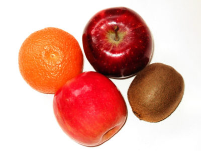 selection-of-fruit-1323918-640x480